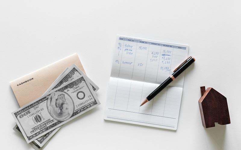 不動産投資とソーシャルレンディングを、初期費用で比較します。