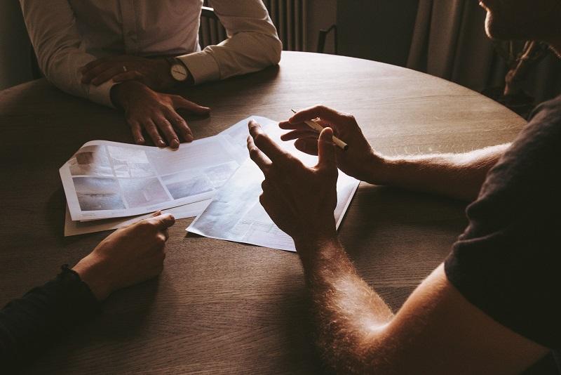 オーナーズブック(OwnersBook)の案件検証においては、担保物不動産の評価額の妥当性を確認する必要があります。